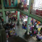 ミャンマー・マンダレーの市場へミサンガを探しに行く